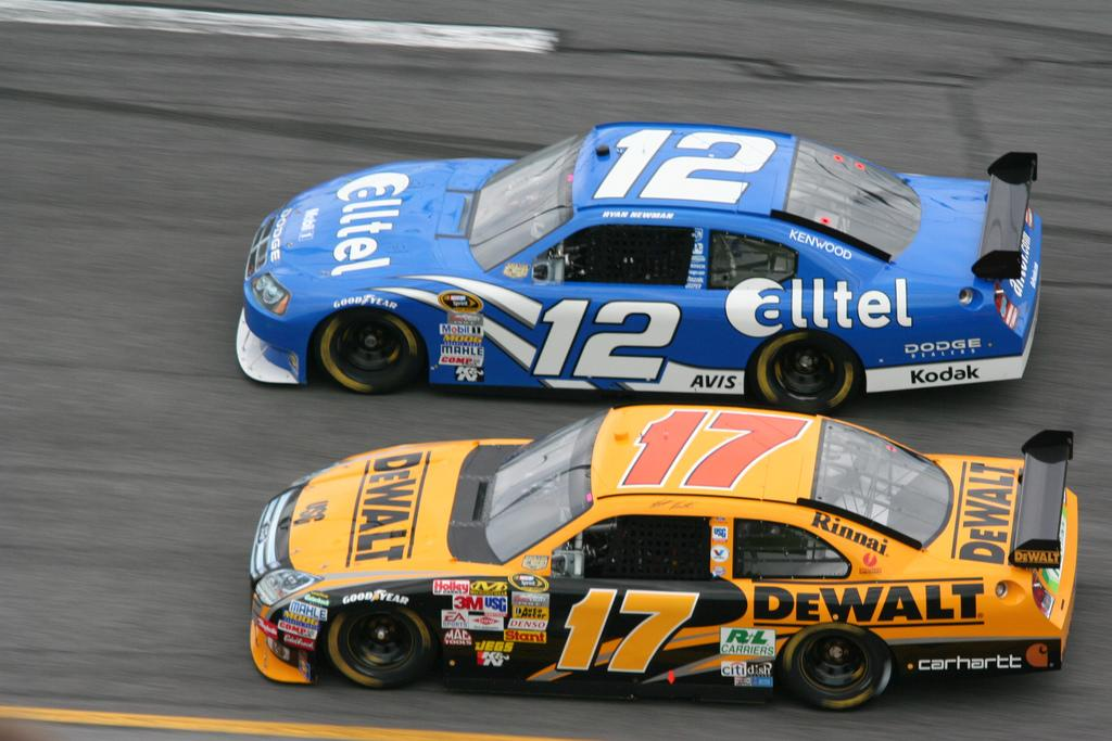 Ryan Newman and Matt Kenseth racing in the Gatorade Duels in 2007  Photo from The Freewheeling Daredevil