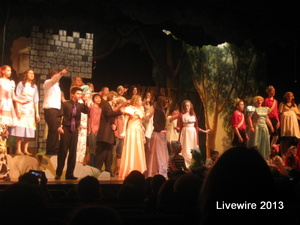 The cast thanks the audience for coming to the play and watching. Photo by Sammi Beeler