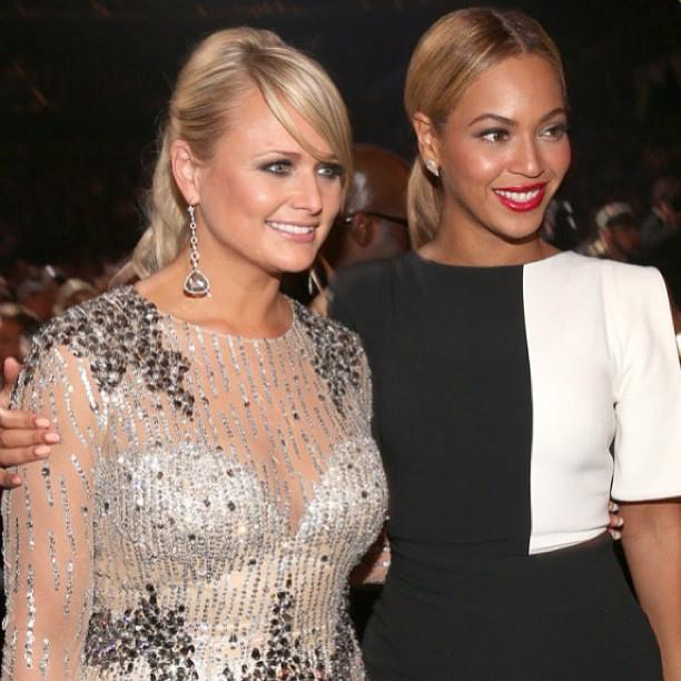 Miranda+Lambert+and+Beyonce+poses+for+a+picture.+Courtesy+of+http%3A%2F%2Fwww.flickr.com%2Fphotos%2F_synergy_%2F8493585289%2F