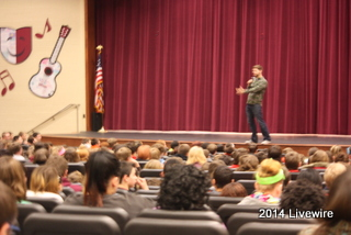 Scheele speaks to students about choices