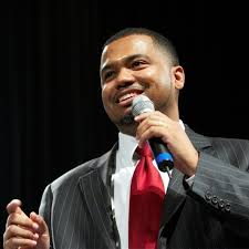 I have a dream! Manny Scott is an inspirational speaker who travels around the world  talking to teenage kids about real life struggles and hardships.