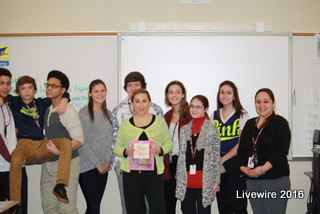 Senora Dively with her fourth period class on her last say in the Altoona district teaching.  Photo by: Grace Shaffer