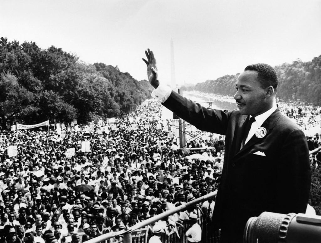 Martin+Luther+King+Jr.+after+a+speech%0Ahttps%3A%2F%2Fcommons.wikimedia.org%2Fwiki%2FFile%3AUSMC-09611.jpg