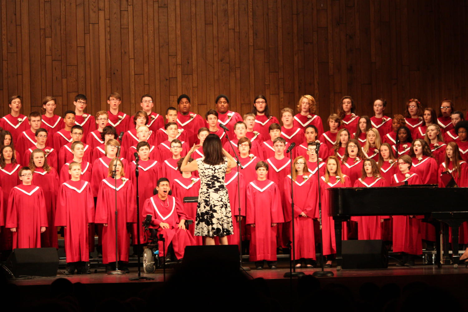 Mrs.+Connell+leading+the+chorus+in+its+spring+concert.