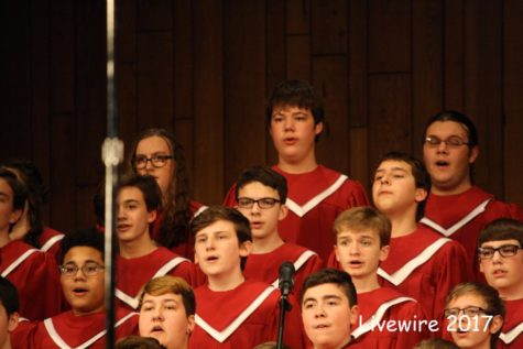 Varsity chorus puts on annual holiday concert