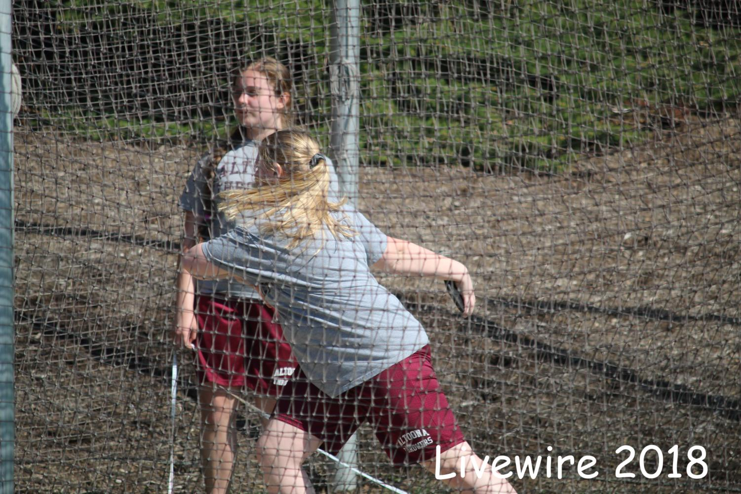 I+can%21+Rachel+Lucas+gets+ready+to+throw+the+discus.+Lucas+also+threw+the+shot+put.+
