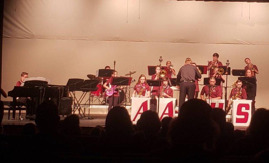 The jazz band plays their instruments loud and clear. On Dec. 4, the jazz band was instructed by Kent Martin and played a variety of songs.