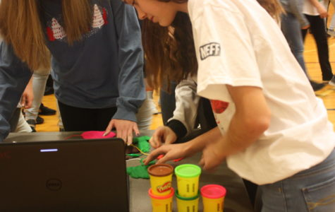 Ninth grade girls in STEM day