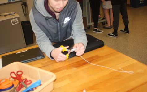 Tech Ed class make mousetrap cars