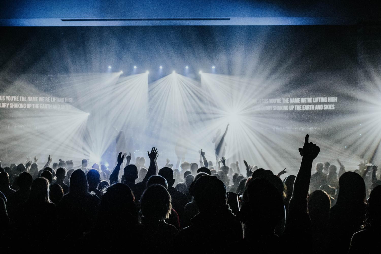 https://unsplash.com/search/photos/concert
