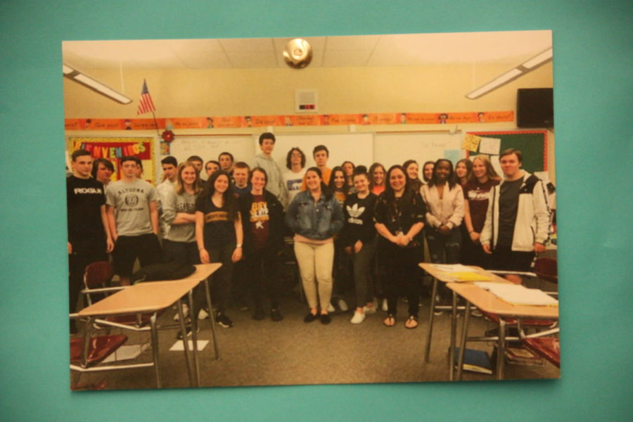 "Spanish student teacher says ""adios"" to students"
