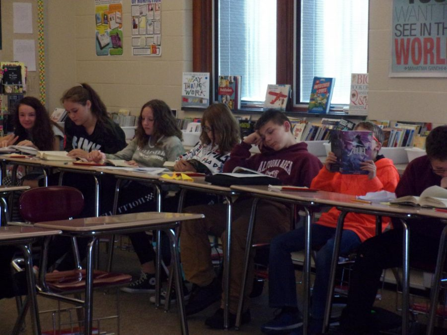 Seventh+Grade+ELA+Classroom%0ASeventh+grade+students+read+during+their+fourth+period+ELA+class.+The+students++worked+together+to+complete+an+assignment+during+the+90+minute+period.+