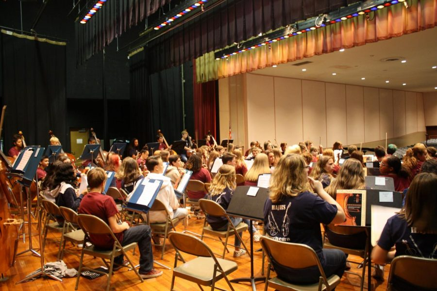 MUSIC+TIME%21+The+Altoona+and+Hollidaysburg+orchestra+students+all+cram+on+to+the+stage+during+a+concert+earlier+this+year.++On+Dec.8+at+3+p.m%2C++the+youth+orchestra+students+will+perfom+a+concert+honoring+Kiera+Chirdon+and+it+will+be+held+at+the+Mishler+theater.+%0A
